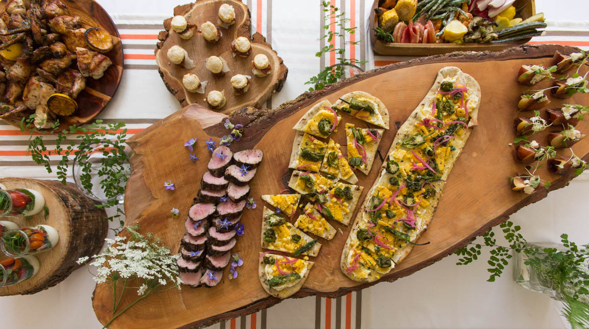 Buffet Dinner - Best For:Full dinner events with limited budgets and looser timelines. Great way to showcase a wider variety of cuisine.