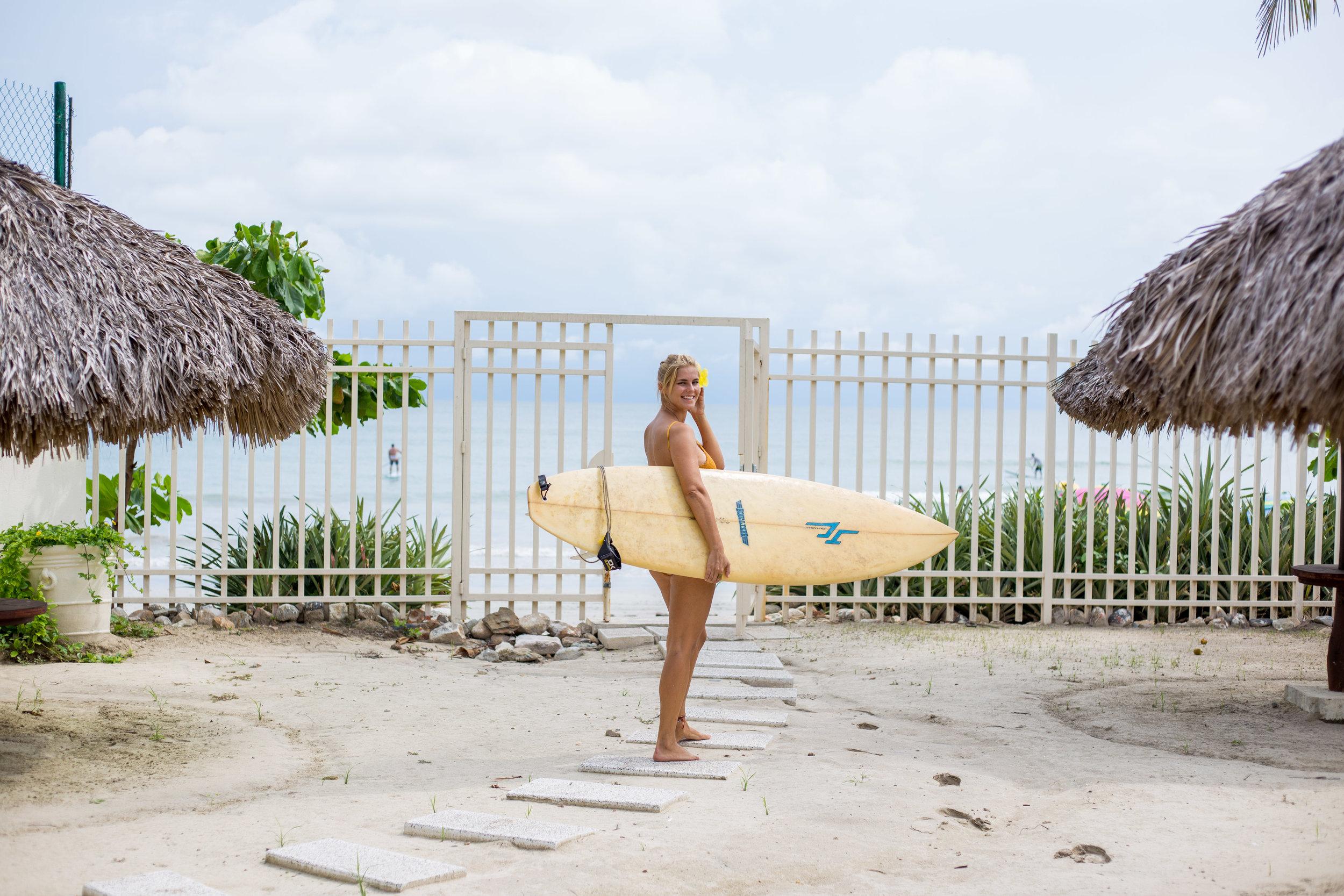 Surfing_Punta_Mita.jpg