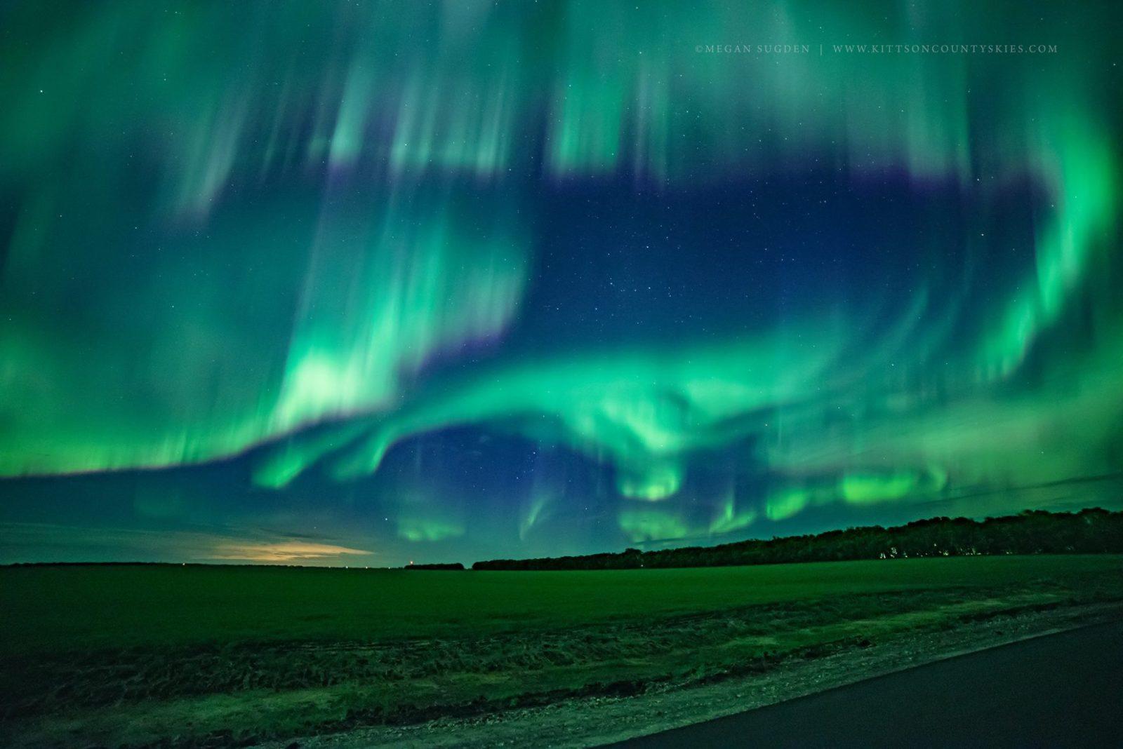 https://meganphoto.com/lights/