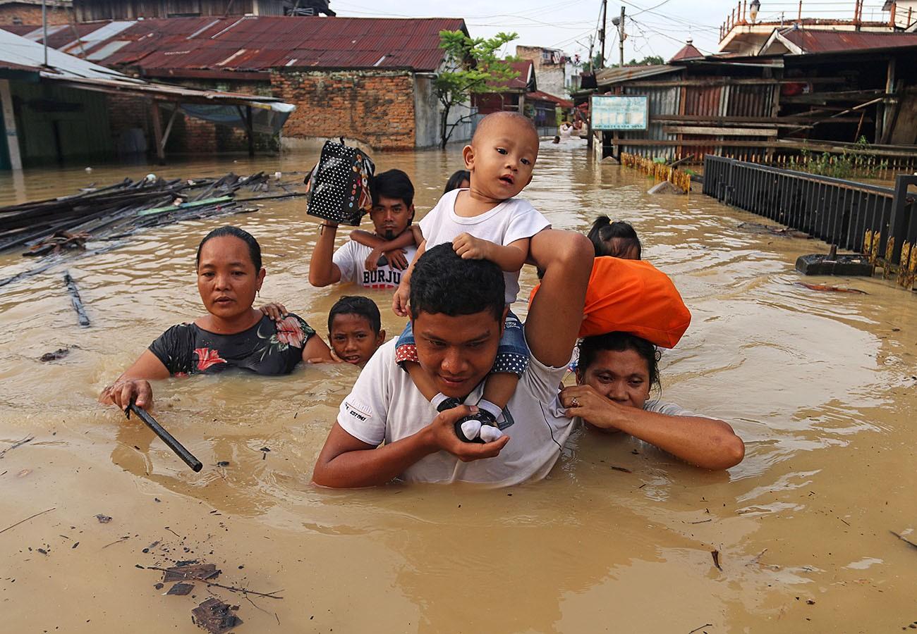sumatran-family.jpg