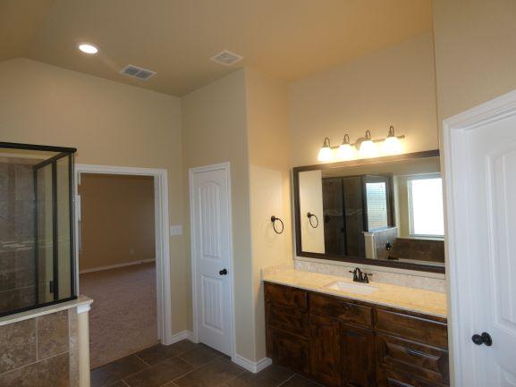 Her Vanity Master Bathroom 901 Elk Ridge .JPG