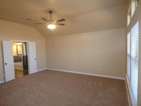 Master Bedroom 901 Elk Ridge .JPG
