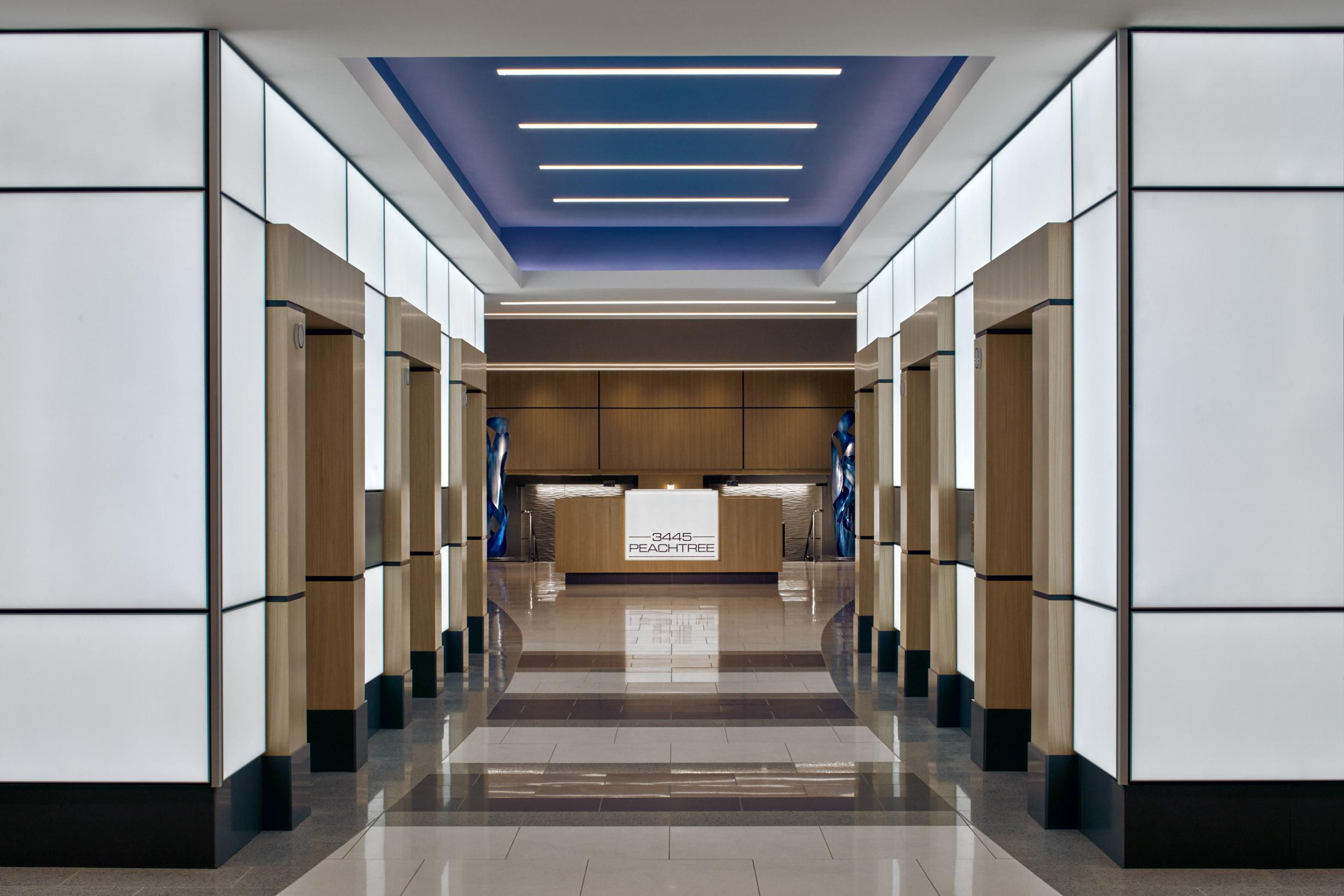 3445 Peachtree</br><em>Atlanta, Georgia</em>|corporate interiors