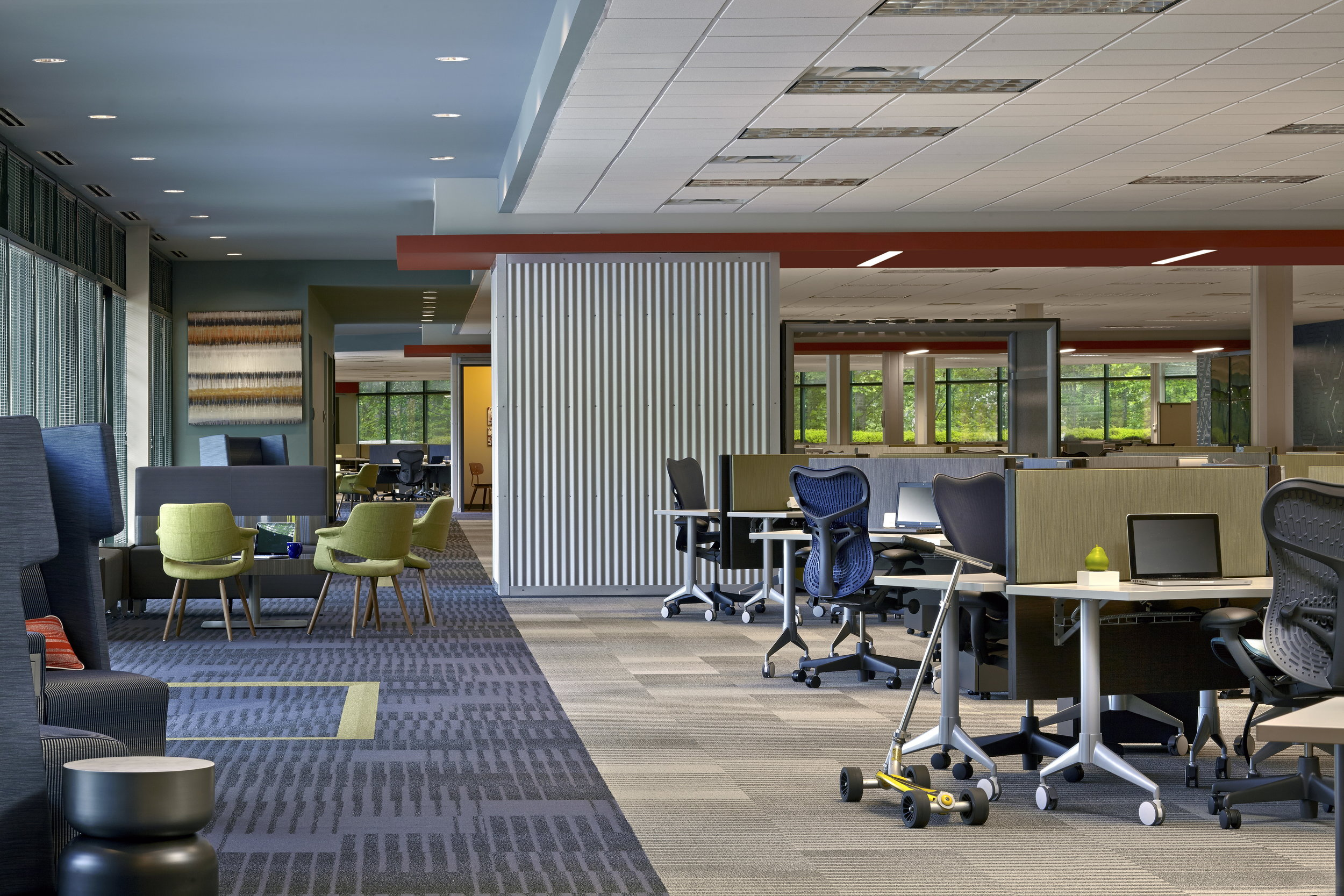 Aaron's Inc. Global Support Center at Chastain Center</br><em>Kennesaw, Georgia</em>|corporate interiors