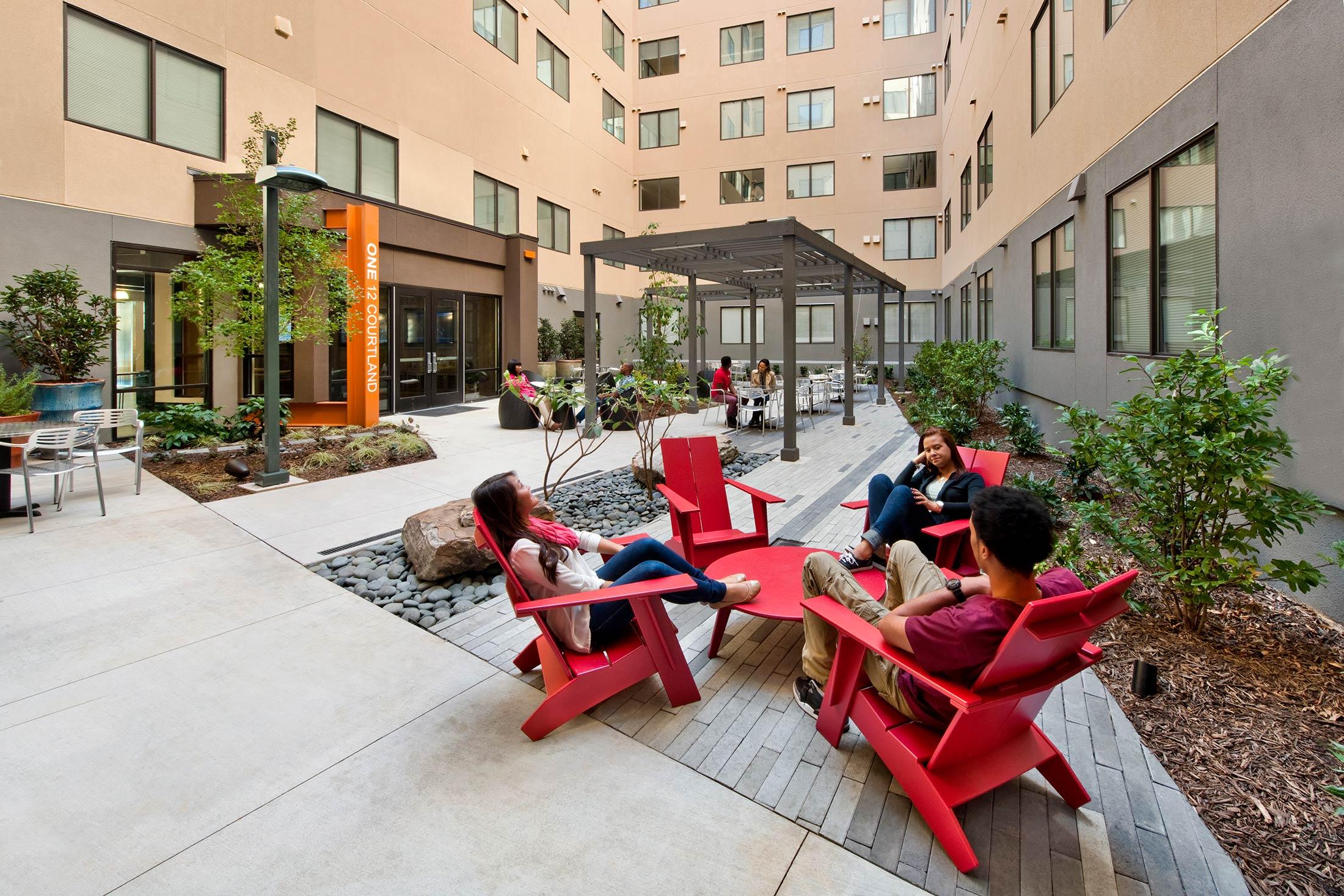 One12Courtland_Courtyard.jpg