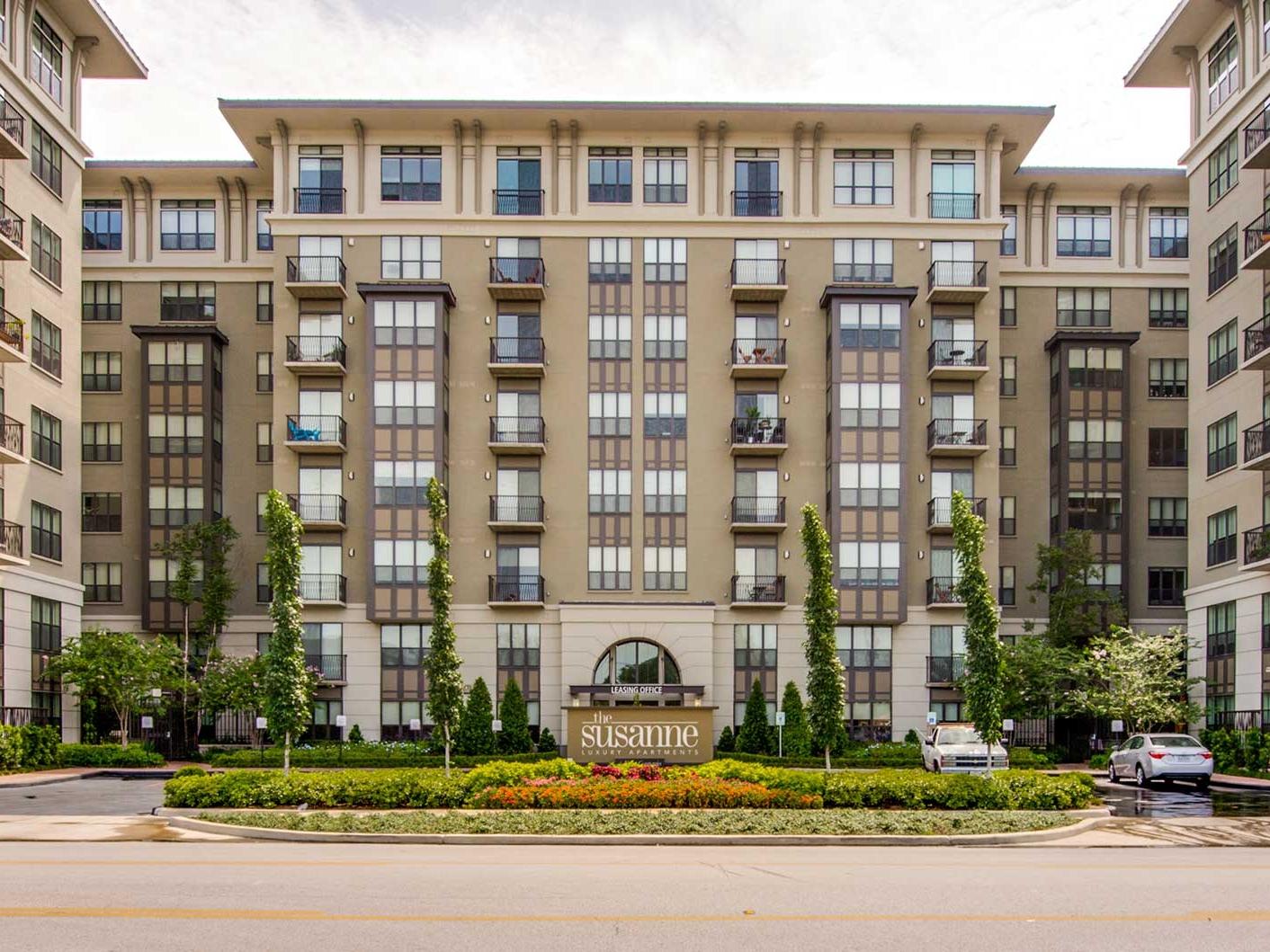 The Susanne</br><em>Houston, Texas</em>|marketratehousing architecture