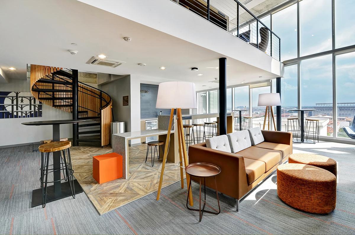 UH Austin</br><em>Austin, Texas</em>|offcampusstudenthousing interiors