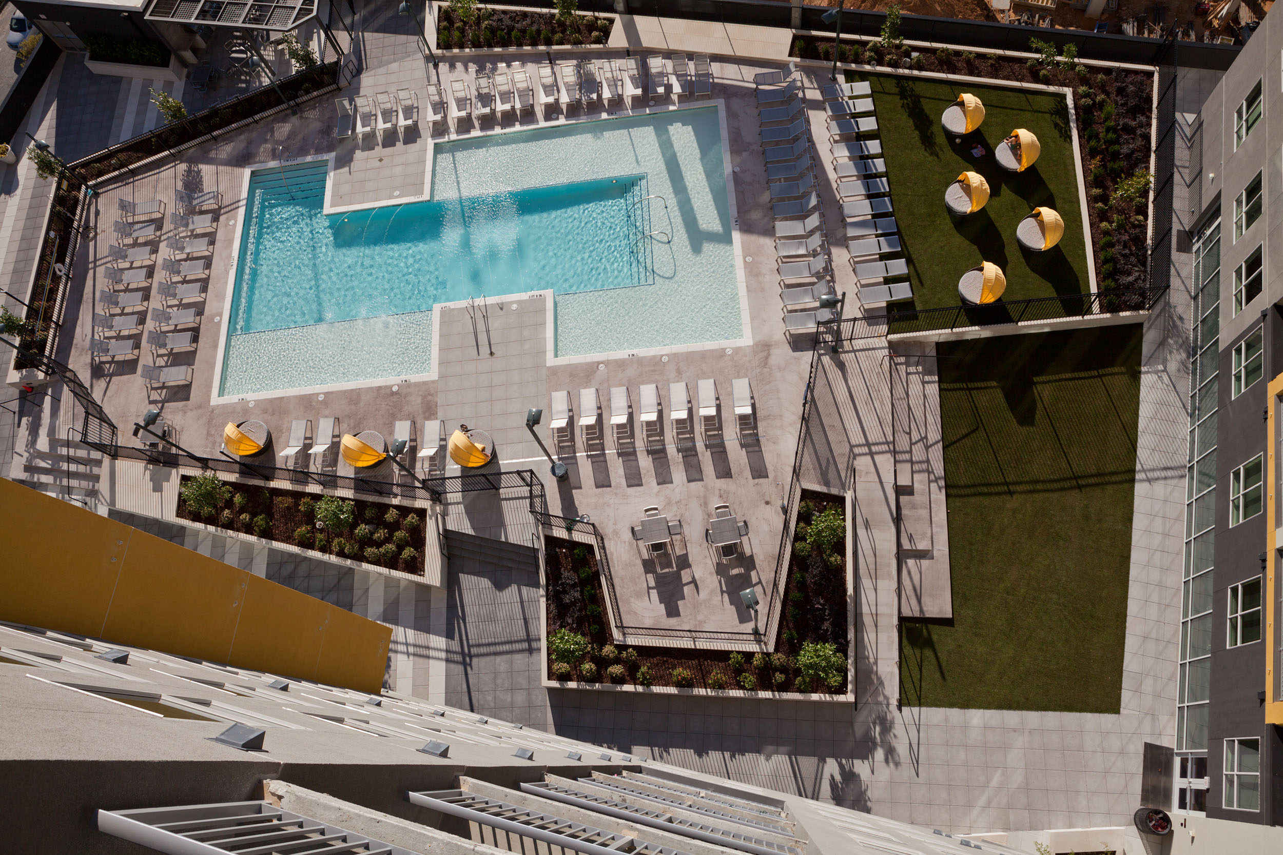 UH Midtown</br><em>Atlanta, Georgia</em>|offcampusstudenthousing architecture landscapearchitecture