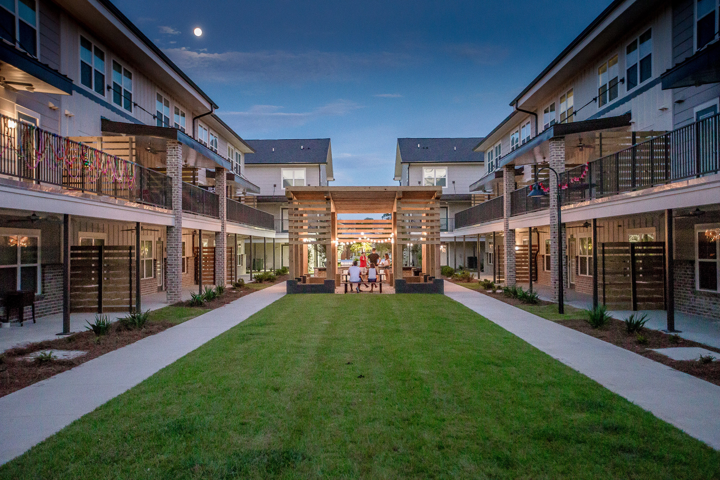 Wildwood_BR_Courtyard.jpg