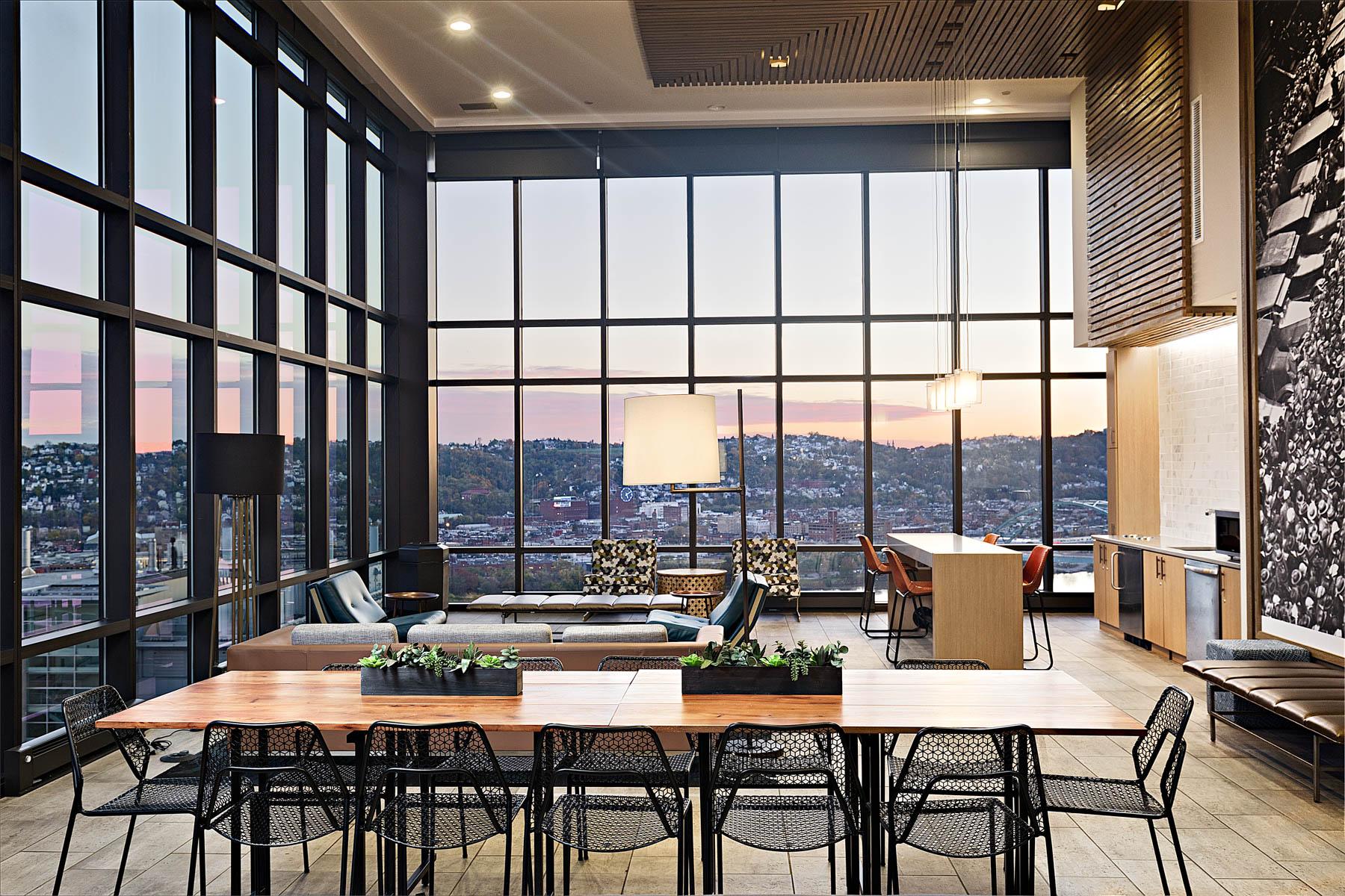 SkyVue</br><em>Pittsburgh, Pennsylvania</em>|interiors