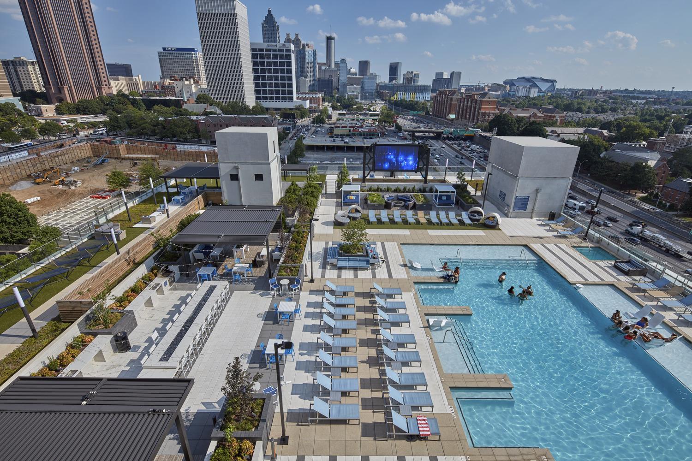 Standard_Atlanta_Amenity Deck.jpg