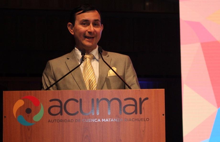 Bolivar Coloma, especialista de Guayaquil, Equador