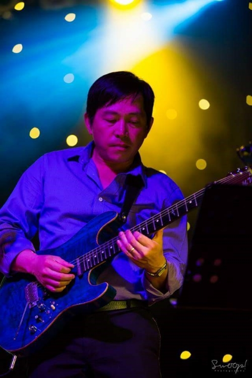 Hoang Phung Performing live for you every mondaY night! #cabrabowlsgroup
