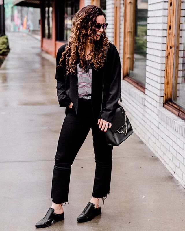 Snag some new workwear pieces with a Revolve or Shopbop giftcard!👇🏽😍 Did you hear?! I have partnered up with some of my favorite bloggers to gift one of our followers a $1,000.00 gift card to REVOLVE OR SHOPBOP!  All you have to do is:  1. like this photo  2. follow @blogger.giveaways2 and everyone they are following  3.TAG a friend for extra chance! ➕Get a bonus entry for following the participating bloggers in the LiketoKnow.it app! --Here's a tip: if you have the LTK app, just screenshot a photo of each blogger & they will come up in your app so you can easily follow them!  _  See my last giveaway post for terms & conditions!  Good luck! http://liketk.it/2Alfq #liketkit @liketoknow.it