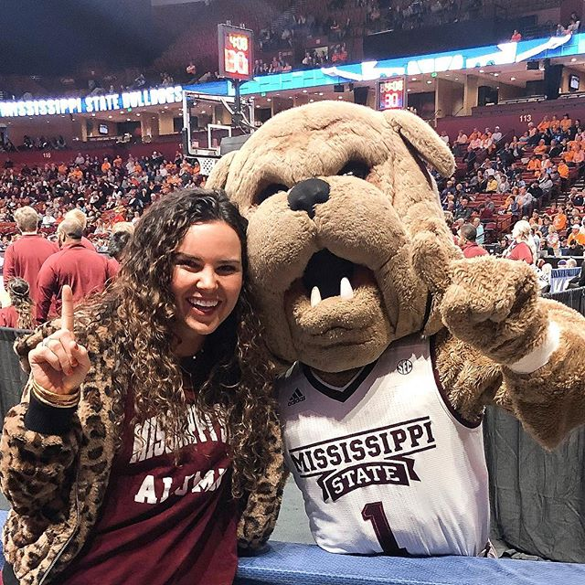 MY TWO WORLDS HAVE COLLIDED!! The bulldogs are in Greenville! 🐶🤩 Happy International Women's Day from me and the baddies of the @hailstatewbk team!! #dawgs #hailstate 💪🏼💪🏼 Thanks @deesquared21 for hooking us up with tickets 😘