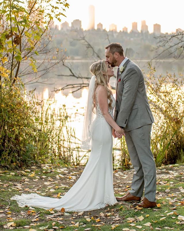 Getting married this summer? Send us a message for information on our photography packages, or to book us for your wedding day. We still have a few weekends free in July and August 2019! 🍃🌿☘️ #harthousewedding#deerlake#deerlakepark#burnaby#beautifulbc#wedding#vancouverwedding#vancouverweddings#love#weddingphotographer#weddingphotography#romance#summer#sunset#goldenhour#family#happy#weddingdress#couplephotography#engagement#portfolio#vancouver#vancity#yvr #vancouverweddingphotographer