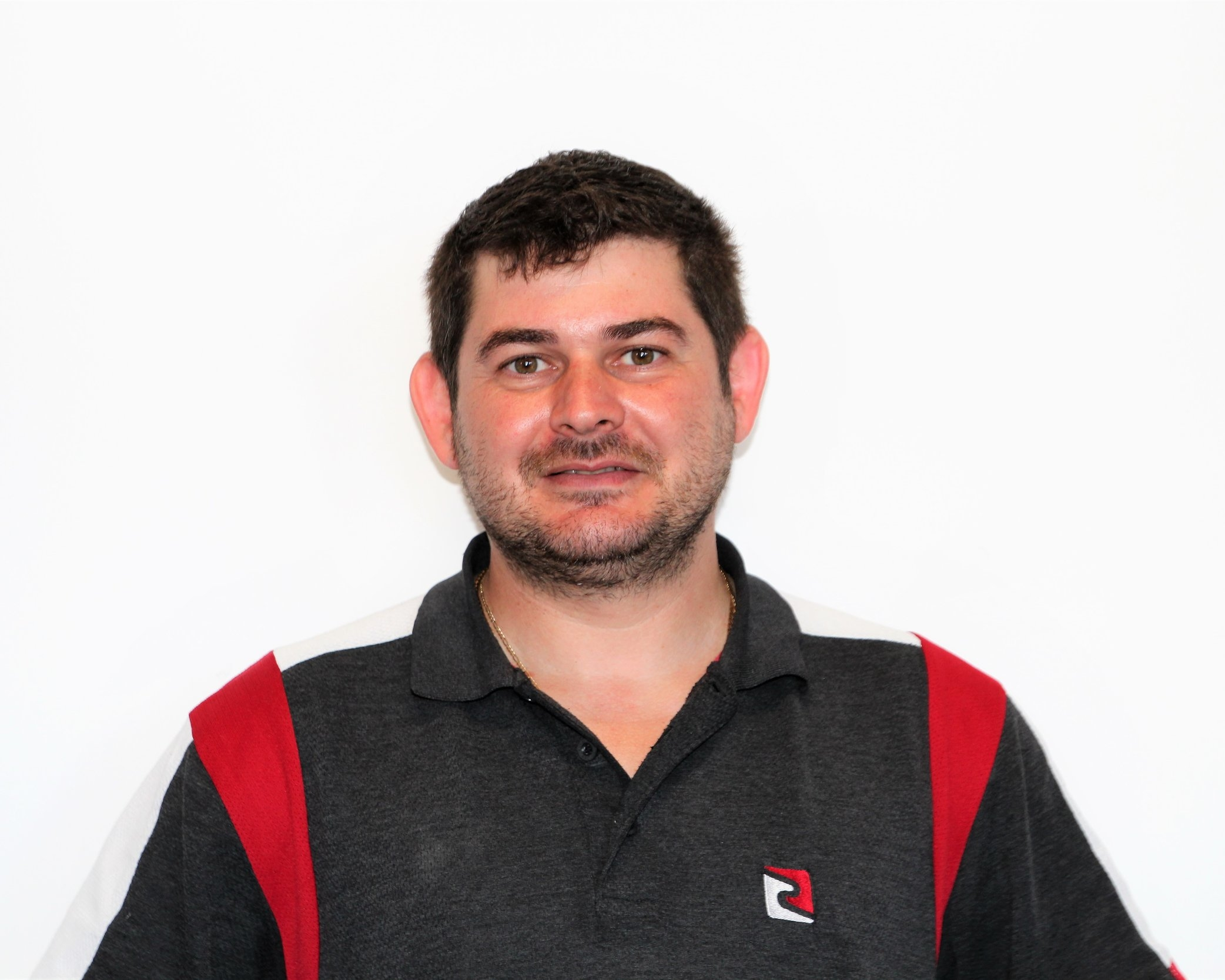 Anatoly Nudelis - Embedded Cabling EngineerExpertise: cabling and electricalAnatoly has been working with YMtech for the last 6 years providing professional cabling and electrical solutions.He is a registered electrical contractor and ACRS master cabler.Anatoly installs communication cabinets, patch panels, access points, security alarms, access control and UPS solutions.