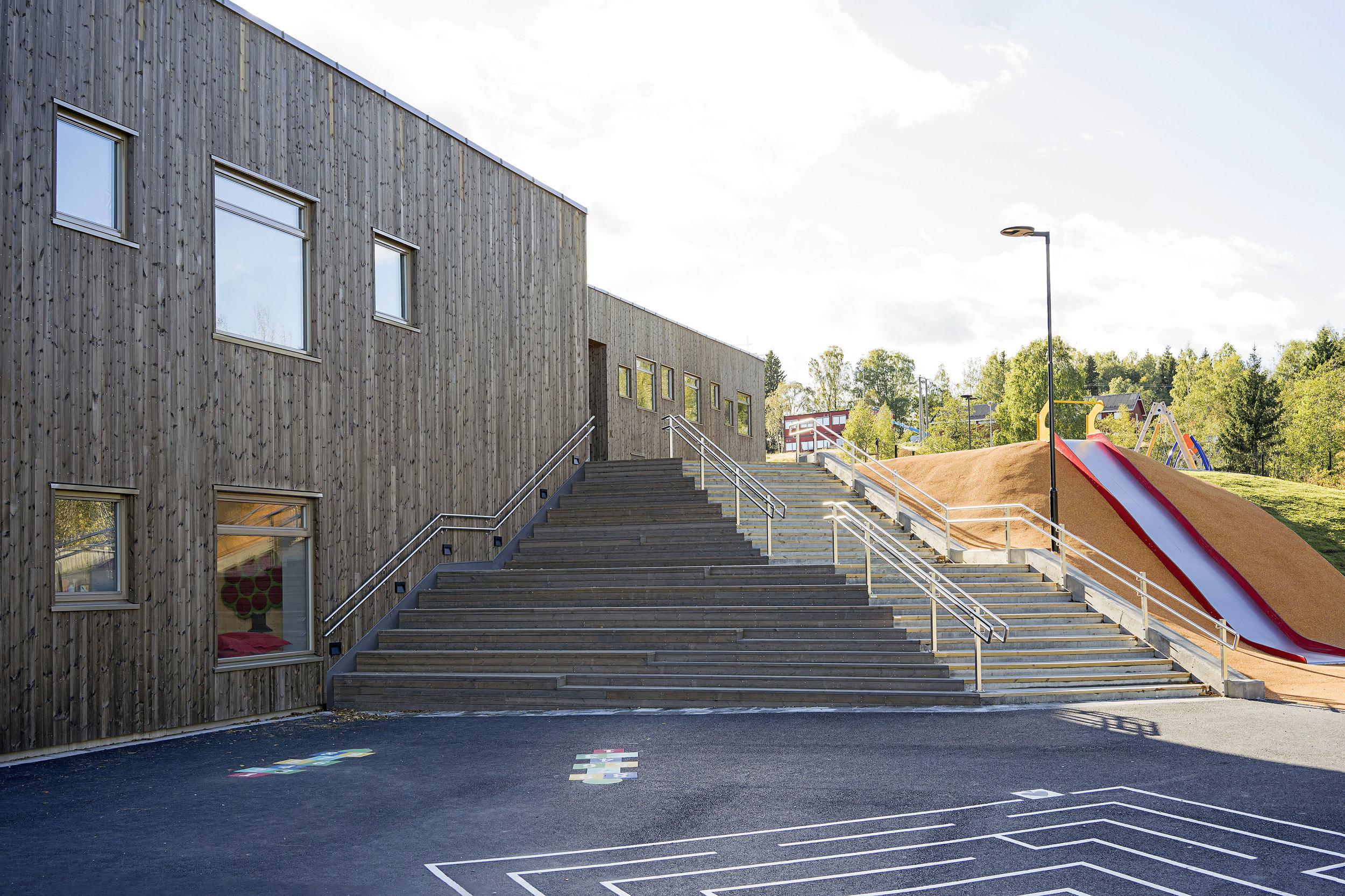 Planforum Arkitekter_Ytre Enebakk skole_Foto Eli Haugen Sandnes_Fasade 01.jpg