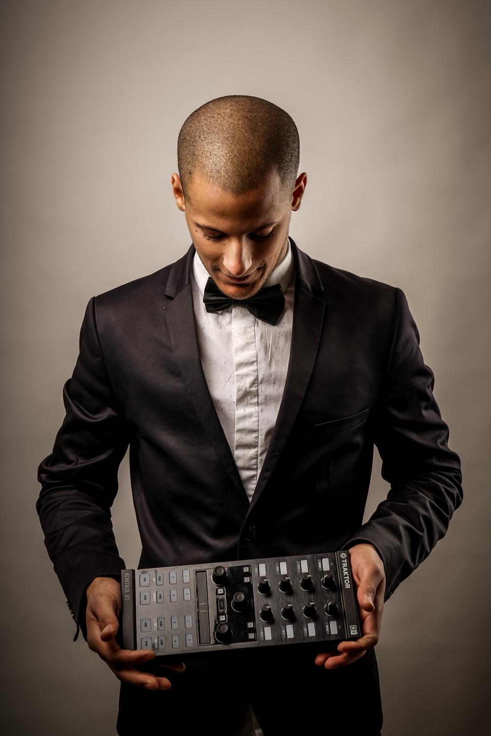Theo Charroy - DJ - Prestevent (1).jpg