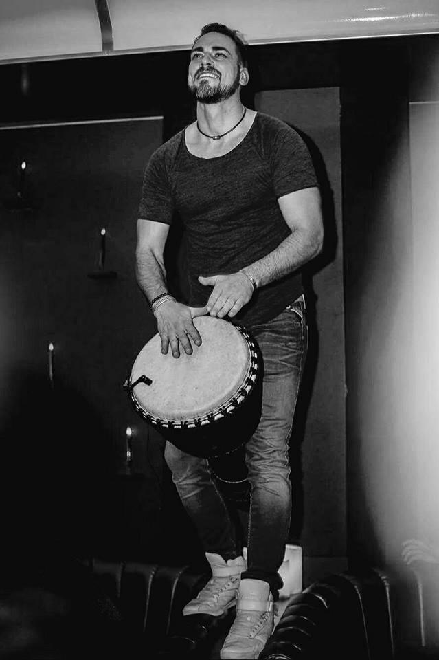 Francesco - Percussioniste - Prestevent 3.jpg