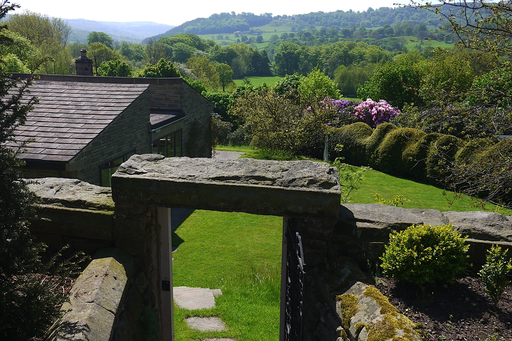 Stunning location in the midst of the Peak District National Park -