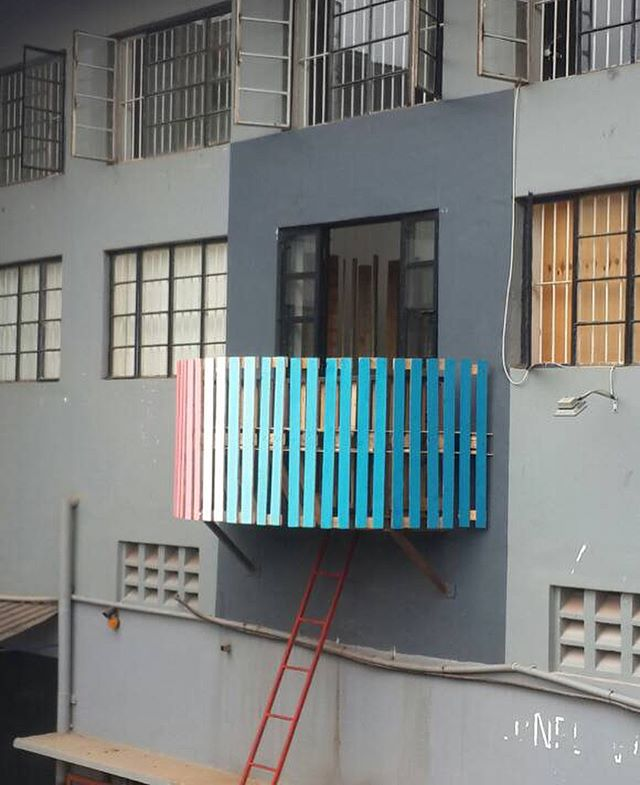 DwB had the pleasure of designing the outdoor installation for Afriart Gallery's first design exhibition: 'Possibilities'. Drop by and see the exhibition, open until January 15th in Kampala. #design #dwb #exhibition #afriartgallery #pallets #gradient #kampala #art #installation #uganda