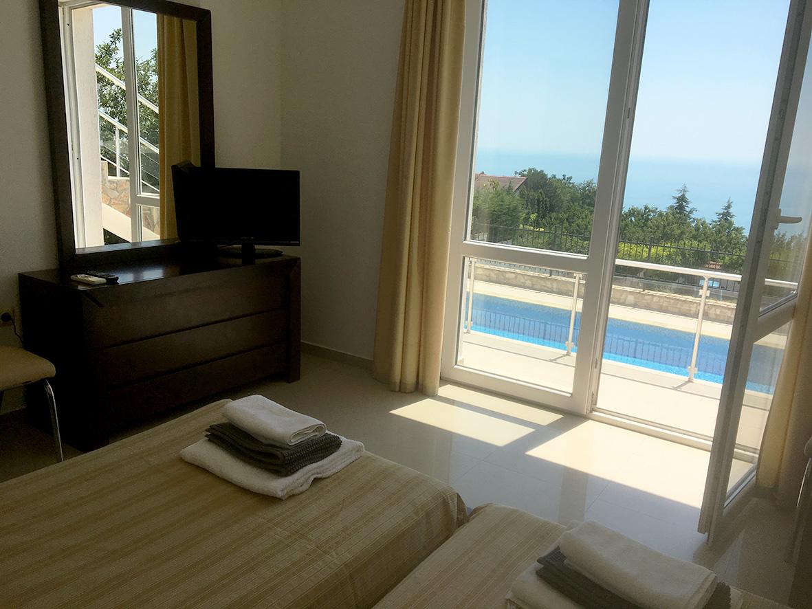 Luxury_Villa_Bulgaria_twin.jpg