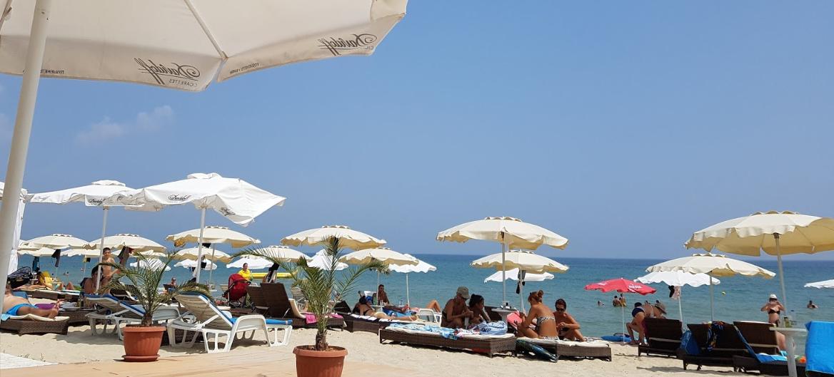 strand Mirage mensen crop rechth.jpg