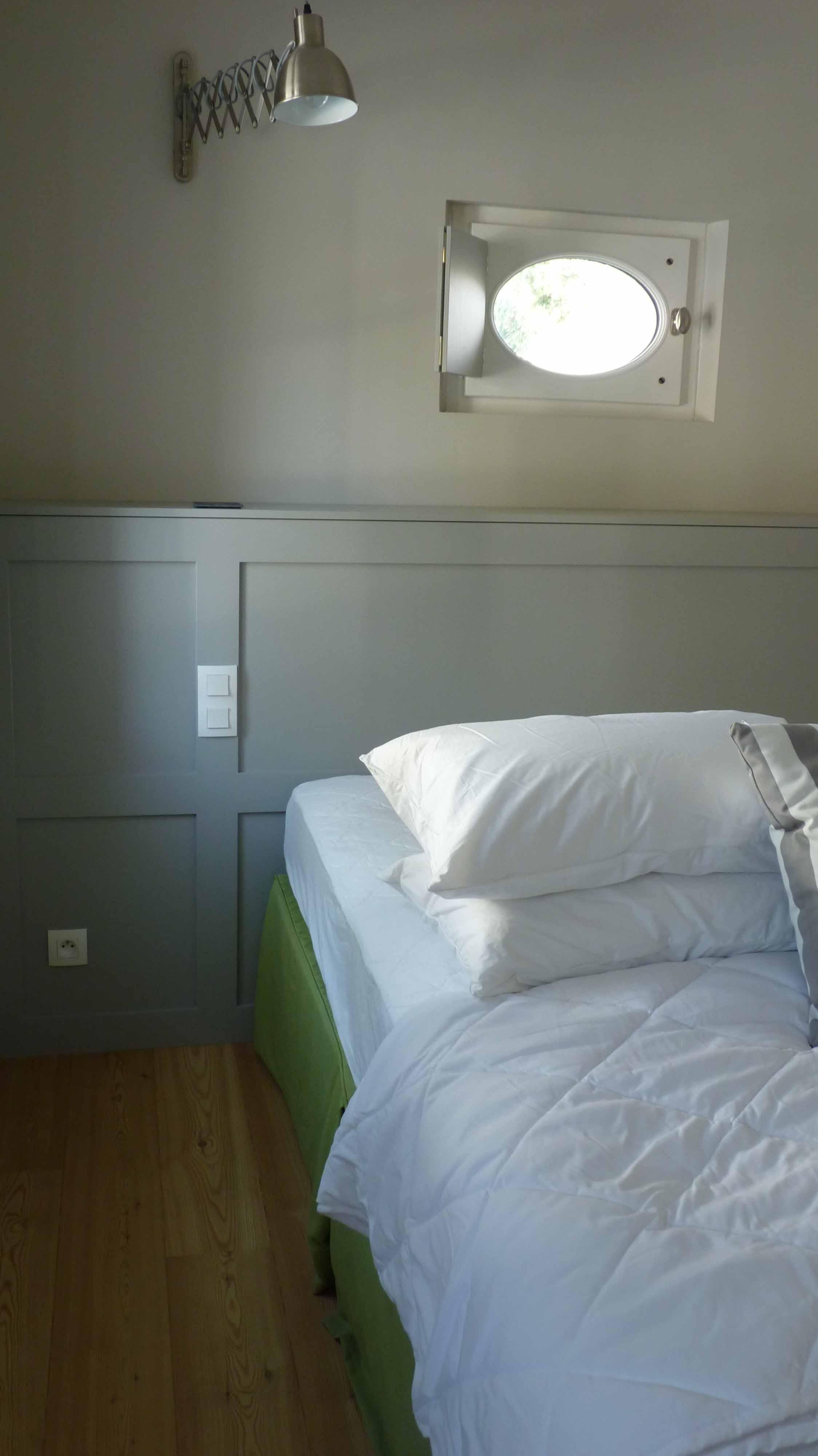 Tête de lit en médium
