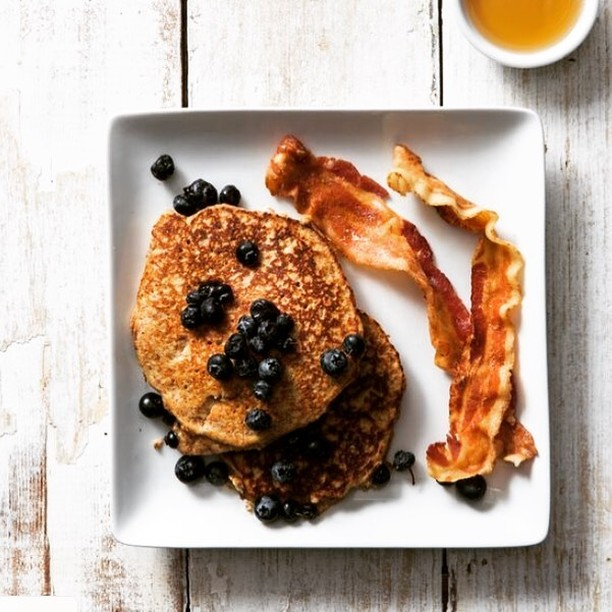Don't be blue, add our famous Paleo Pancakes to your cart and enjoy the indulgent and nutritious flavors of our Southern-inspired dishes.⁠ ⁠ via @stephendevriesphoto⁠ .⁠ .⁠ .⁠ #blueberrypancakes #paleopancakes #southernfood #pancakesandbacon #nourishfoods #lovefood #mealdelivery #healthyfood