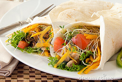 chicken-wraps-16951119.jpg