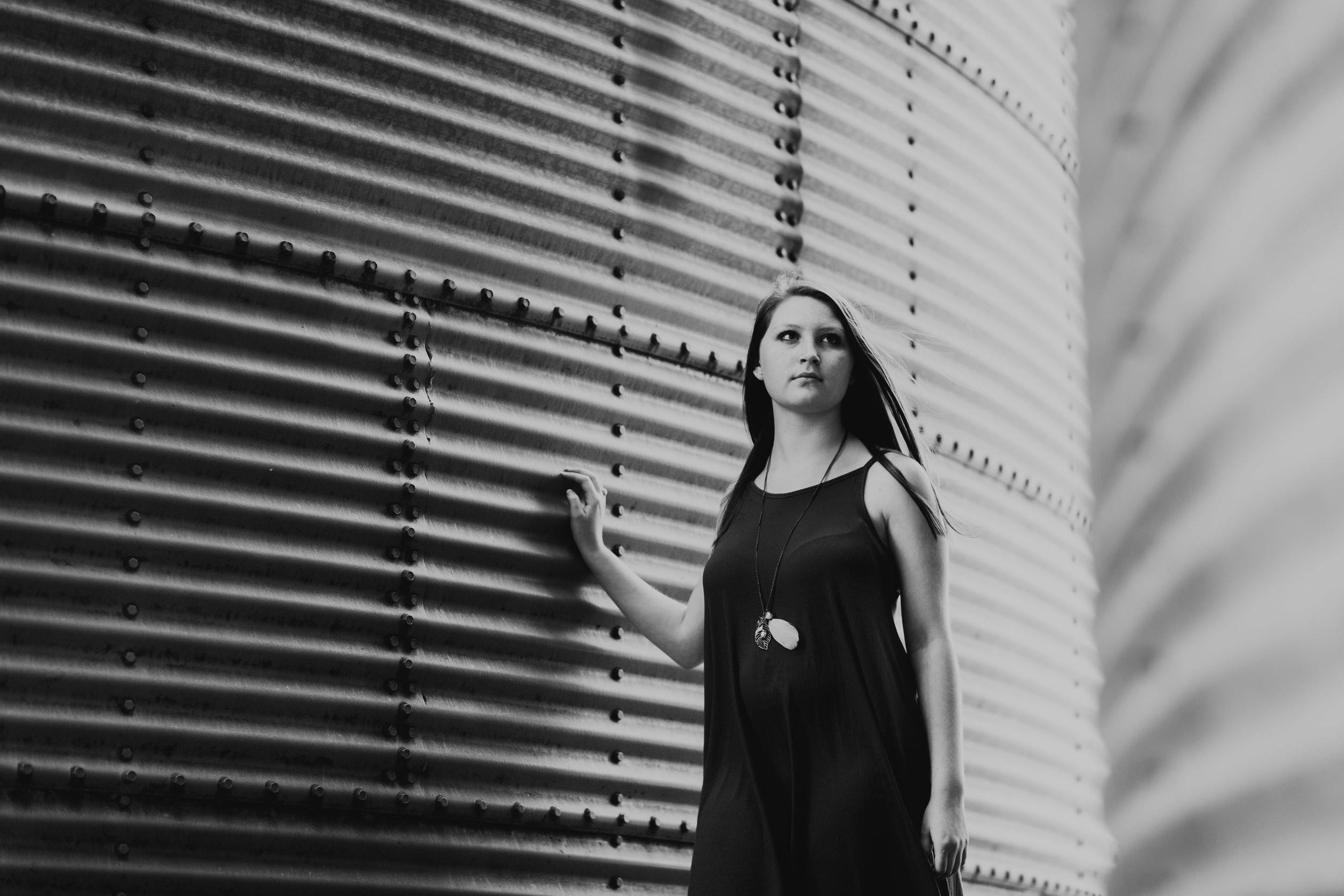 AmandaKirkSeniorPortraits-21.jpg
