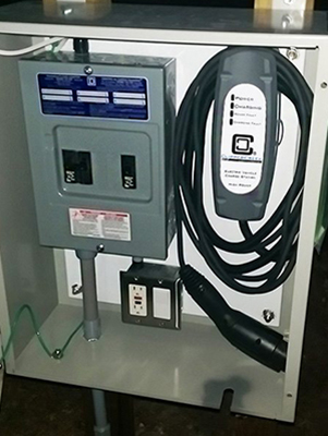 Customer-Installation-of-LCS-20-EV-Charging-Station-Thelen-install-2.jpg