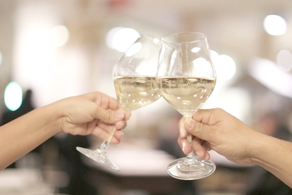 carousel_prosecco-cheers-wine.jpg