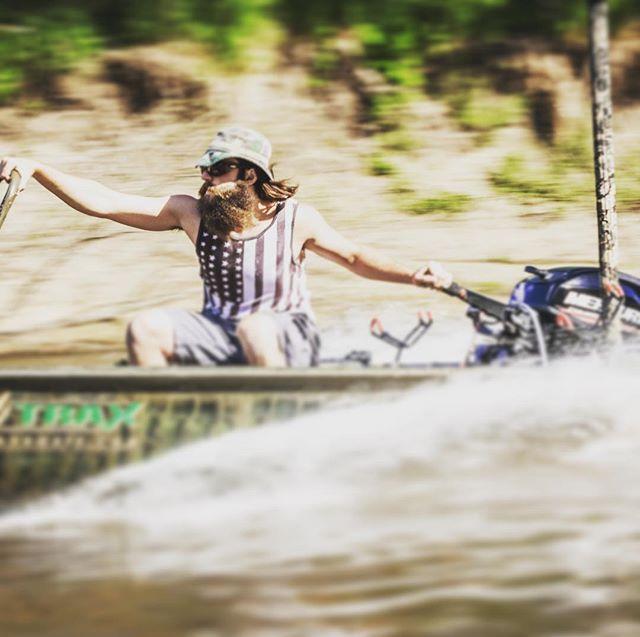 Living bold, boatlife  Trusted brands and quality service. Share our page, comment, visit us!  @fcj.marine ⚓️ ⚓️ ⚓️ #fcjmarine #mercurymarine #bebold #350hp #sport #boatlife #fishing #hondamarine #suzukimarine #boatservice boatmotor