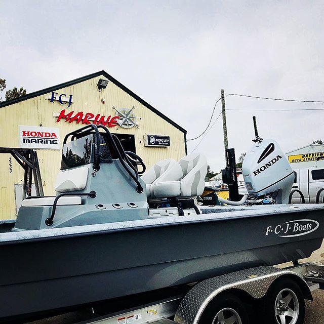 Let our certified techs and mechs service, repair and repower your precious motors 🚤 ⚓️ ⚓️ ⚓️ #fcjmarine #mercurymarine #bebold #350hp #sport #boatlife #fishing #hondamarine #marine #boatservice #boatmotor @hondamarine_usa