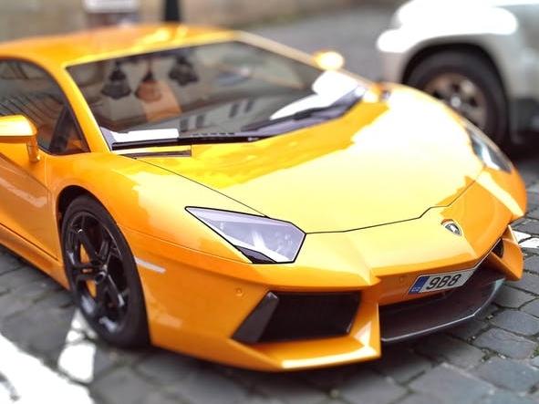 lamborghini-brno-racing-car-automobiles-39855.jpeg