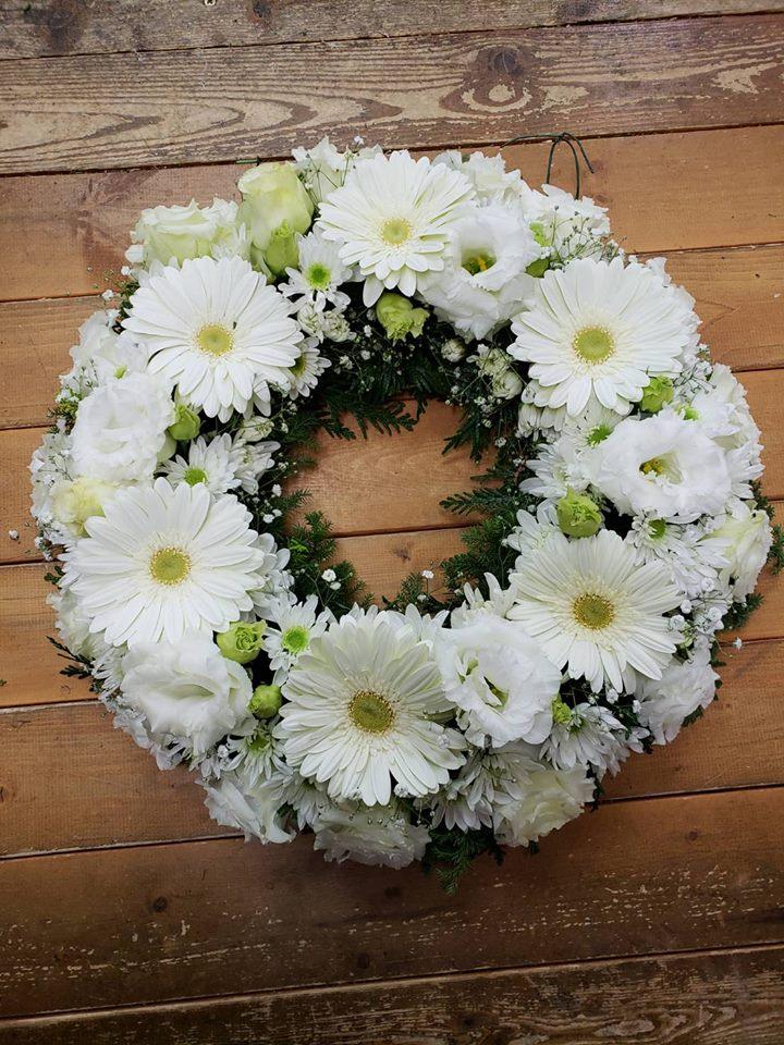 Fresh Wreath2.jpg