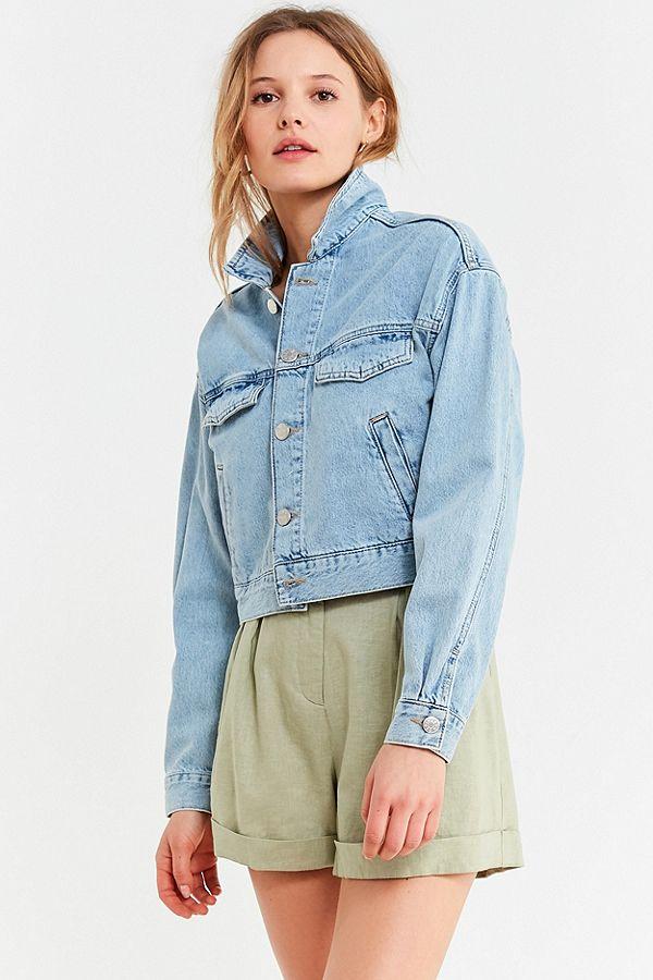 https://www.urbanoutfitters.com/en-ca/shop/uo-halle-cropped-denim-trucker-jacket?category=SEARCHRESULTS&color=092
