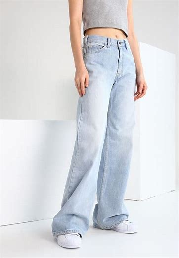 http://www.asos.com/tommy-jeans/tommy-jeans-classics-high-rise-mom-jeans/prd/9934496?clr=lightblue&SearchQuery=light%20washed%20denim&gridcolumn=4&gridrow=15&gridsize=4&pge=3&pgesize=72&totalstyles=347