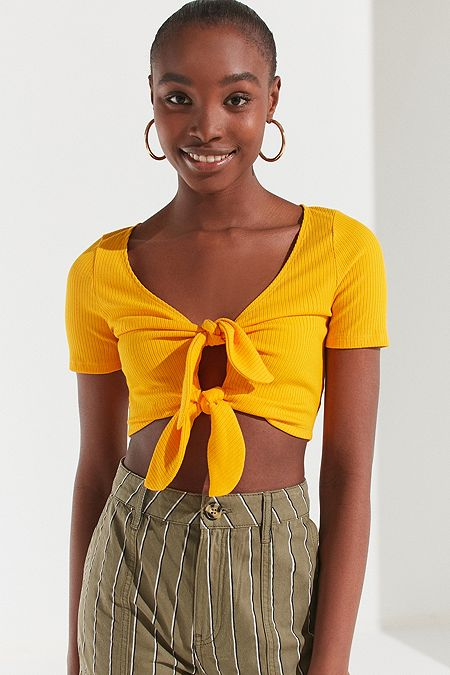 https://www.urbanoutfitters.com/shop/uo-tessa-tie-front-cropped-top?category=womens-new-sale&color=080