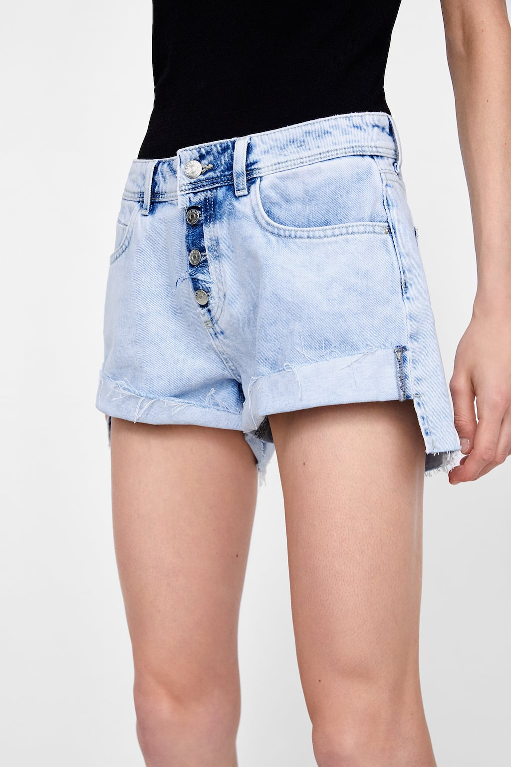 https://www.zara.com/ca/en/high-waisted-bleached-shorts-z1975-p06164154.html?v1=6452575&v2=1074835