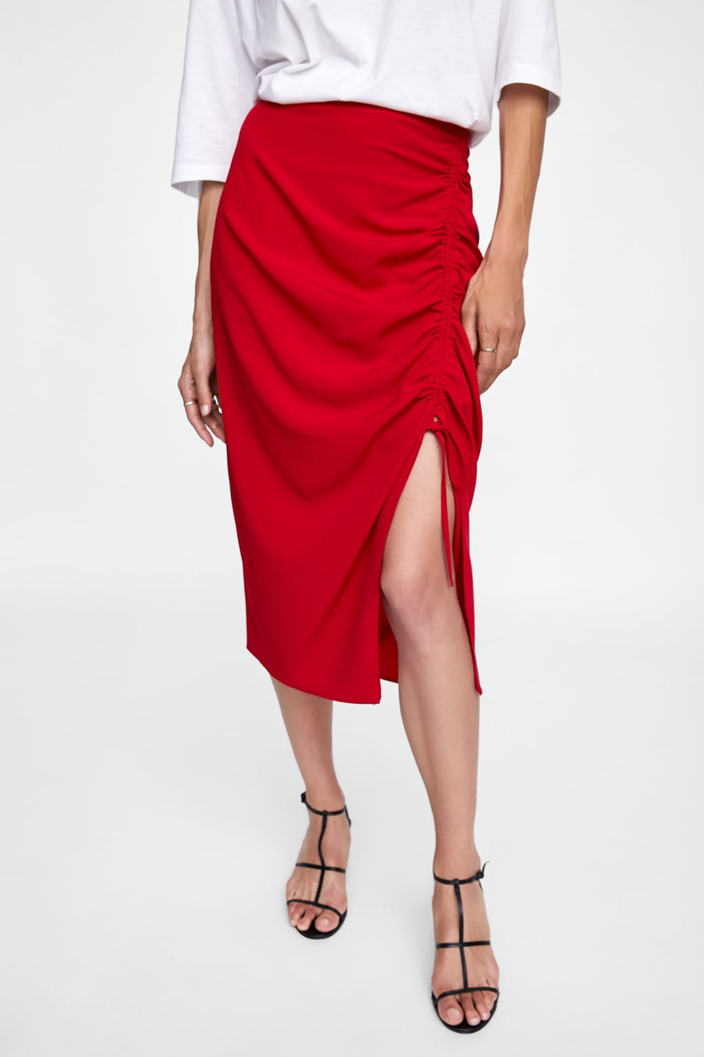 https://www.zara.com/ca/en/skirt-with-front-ruching-p07956862.html?v1=7046034&v2=967548