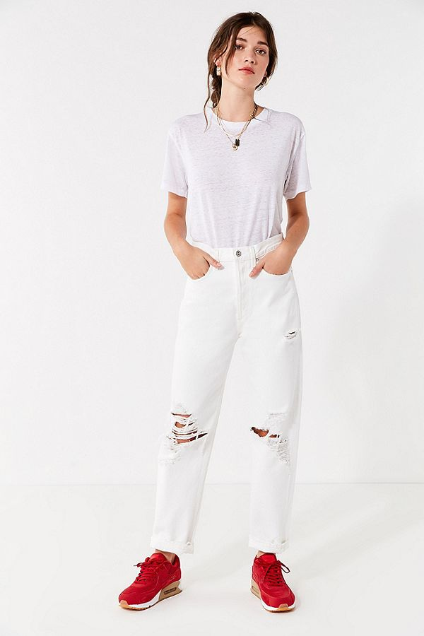 https://www.urbanoutfitters.com/shop/agolde-90s-straight-leg-ripped-jean-white-out?category=SEARCHRESULTS&color=011