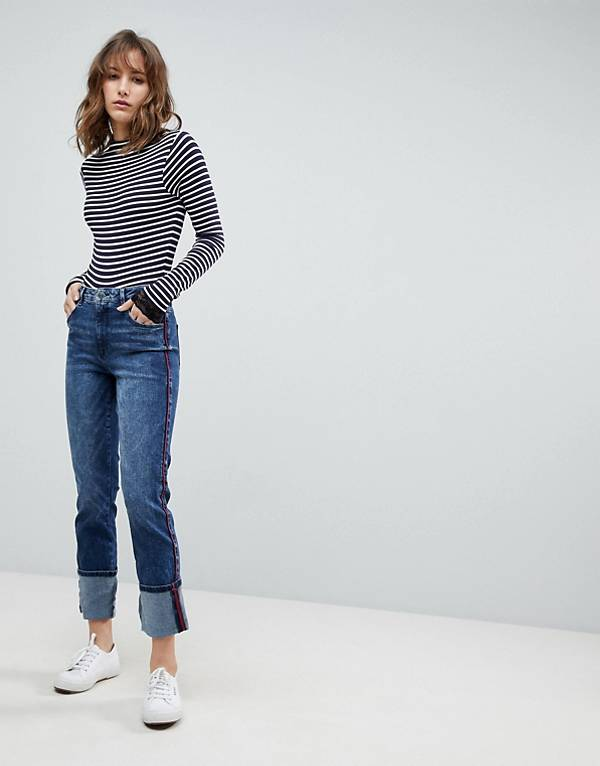 https://www.asos.com/au/esprit/esprit-contrast-stripe-straight-leg-jeans/prd/8878334?clr=blue&SearchQuery=straight%20leg%20denim&gridcolumn=2&gridrow=8&gridsize=4&pge=2&pgesize=72&totalstyles=167