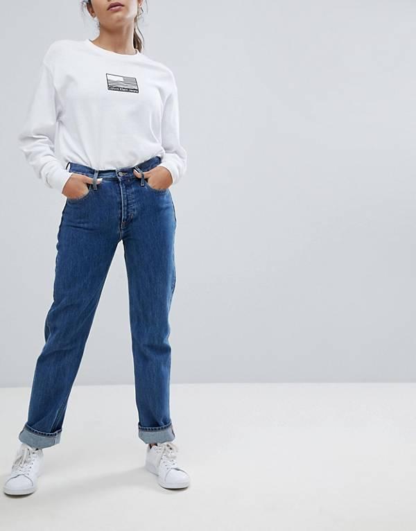 https://www.asos.com/au/calvin-klein/calvin-klein-jeans-high-rise-straight-leg-jean/prd/9366677?clr=christiane-blue-rgd&SearchQuery=straight%20leg%20denim&gridcolumn=2&gridrow=15&gridsize=4&pge=2&pgesize=72&totalstyles=167