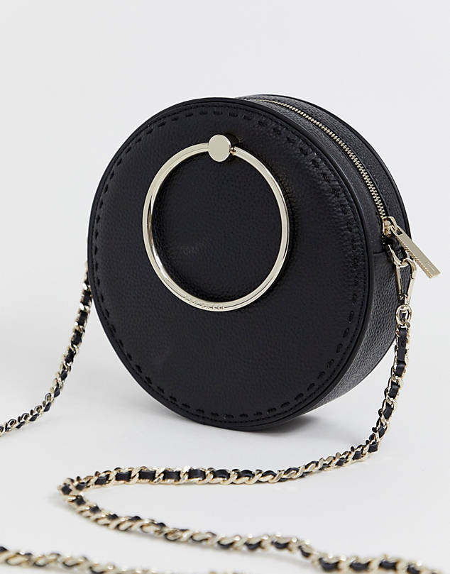 https://www.asos.com/ted-baker/ted-baker-madddie-round-bag/prd/11643580?clr=black&SearchQuery=round%20bag&gridcolumn=3&gridrow=3&gridsize=4&pge=1&pgesize=72&totalstyles=19