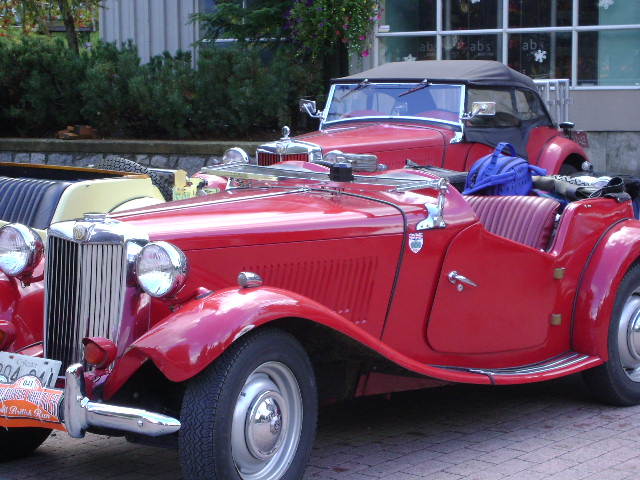 "Click image to see more MG club and ""Crumpeteers"" photos"