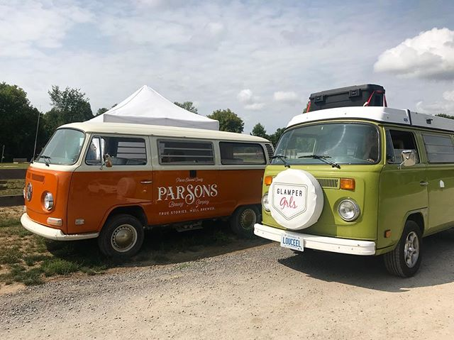 Vans, not only a lifestyle but a business plan. Van life is fascinating. It's no longer just a hippie lifestyle but a moving office, a kick start for entrepreneurs, an iconic influence for business and a brand new community and audience. This photo not only shows twin vans but also two separate businesses. @parsonsbrewing created a beer based on their iconic van. @glampergrls_ created a business based on our love of VanLife. So happy Monday to all you entrepreneurial vanlifers out there! We love discovering new businesses in this community- comment yours below!
