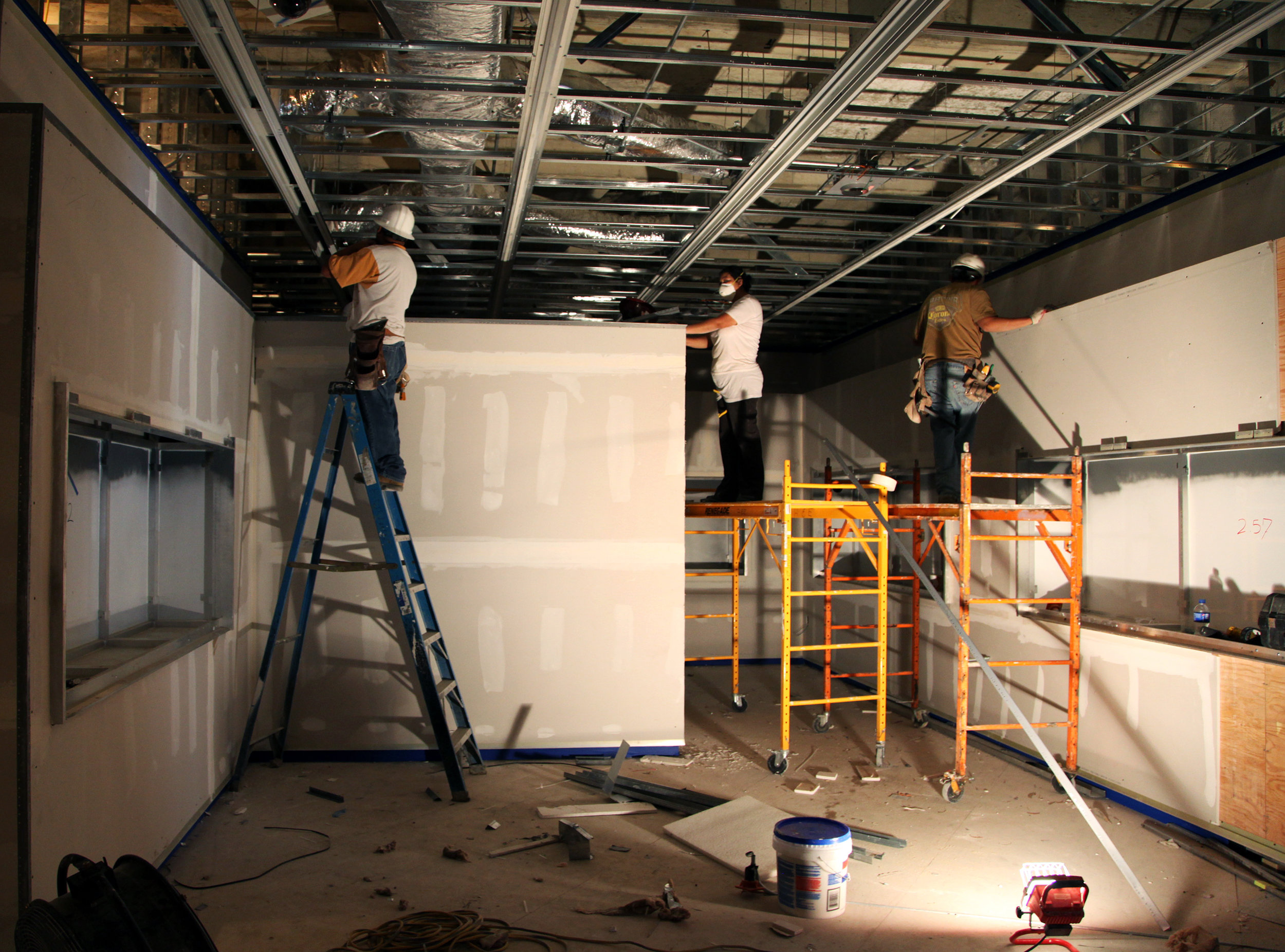 Interior-construction-of-the-new-glass-gallery.jpg
